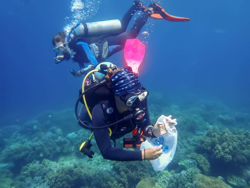 Things You Should Never Do In Scuba Diving: Single-Use Plastic